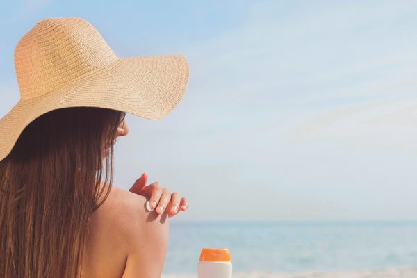 How to get glowing skin in summer with these easy tips?