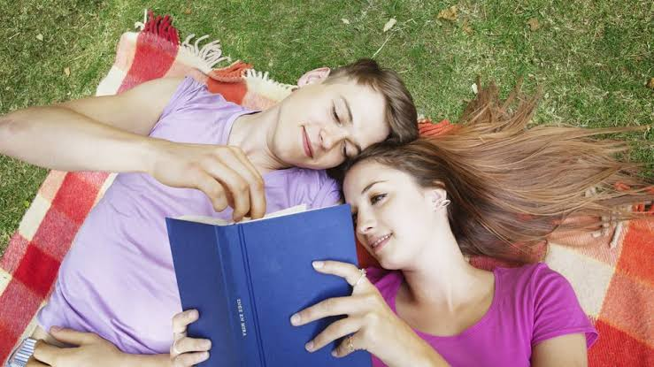 Short love poems usually brings out the romance in love.